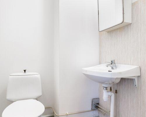 Toalett uthyrningsdel