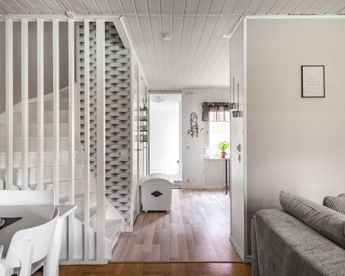 Vardagsrum/trapp
