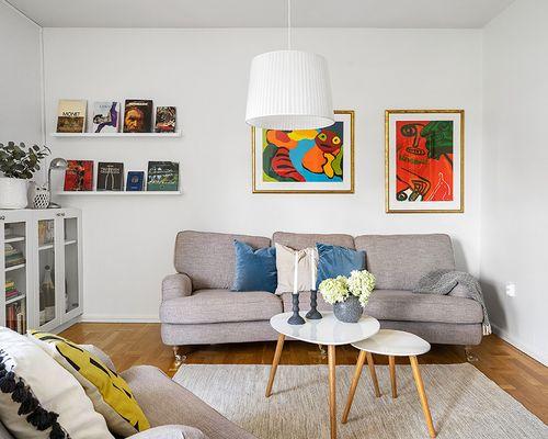 Härlig stor soffa i vardagsrummet