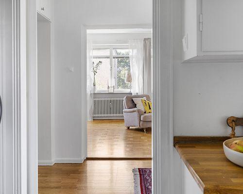 En lägenhet med vackert ljus