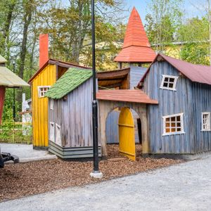 Mysigaste lekparken mitt i Tungelsta