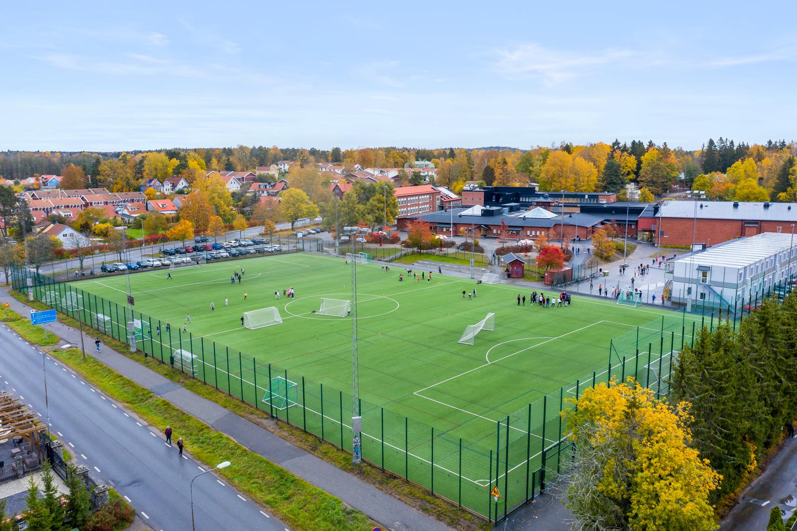 Fotbollsplanen vid Tungelsta skola