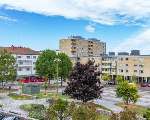 Utsikt övern Järntorget och Biografbaren från vardagsrum och kök