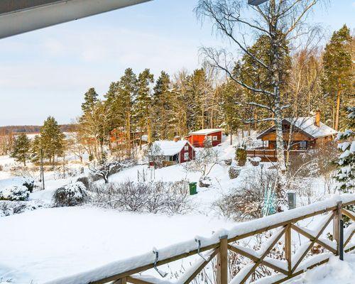 Härlig utsikt mot Väsbyviken i Mälaren