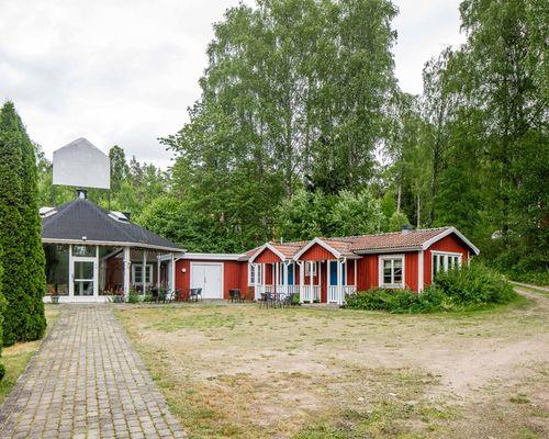 Paviljong och gäststugor