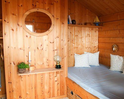 Sovrum i gäststuga (1)