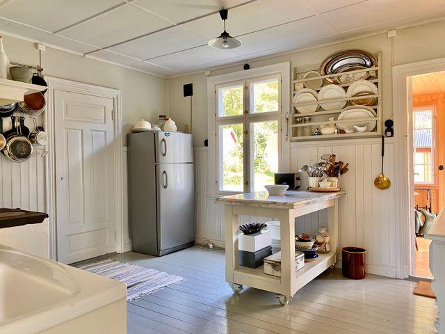 Köket, kyl och frys och köksö