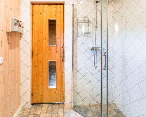 Ytterligar en dusch vid bastun ...