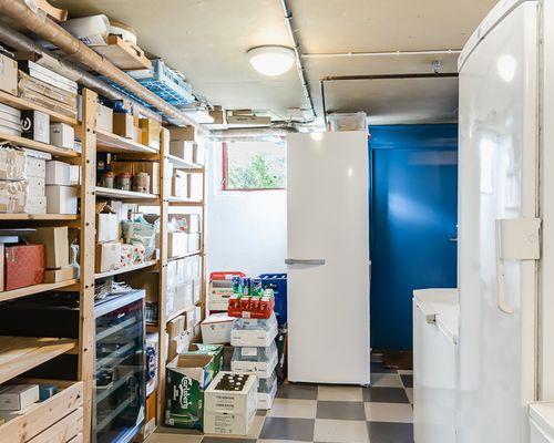 Teboden, lager och tvättstuga