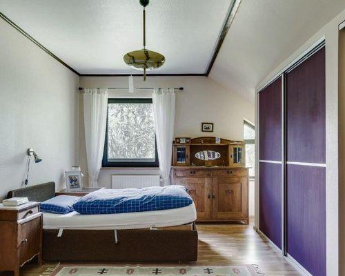 Schlafzimmer Re. neu